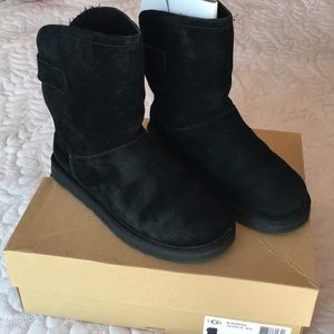 Authentic Ugg Remora boots